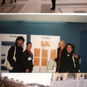A Parigi con i poster premiati insieme a Chiara Pfanner, Silvio Presta, Giovanna Pacciani XI Congresso dell' European College of Psychopharmacology (Parigi 31 ottobre-5 novembre 1998)