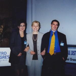 Congresso GIDOC, Saint Vincent, aprile 1998. Donatella tra Stefano Baroni e Irene Masala