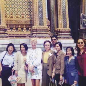 visita al palazzo reale di Bangkok con psichiatri filippini dopo lunghe ore di lezione. Febbraio 1999