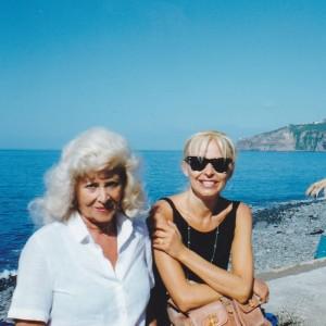 Donatella Marazziti e Anna Ravizza visitano la spiaggia di Madeira. III IOCD Conference, Madeira  1998